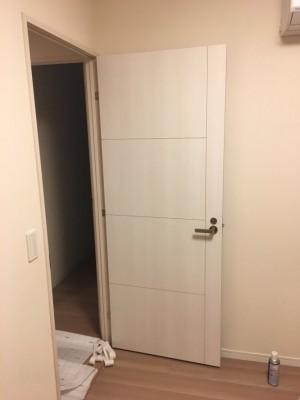 室内ドアの穴をリペア補修・修復