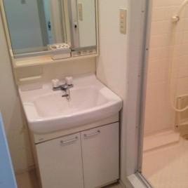 洗面化粧台の交換工事|東京都中野区鷺宮のマンションにて内装リフォーム