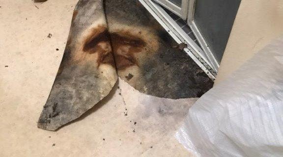 腐食した風呂入口の床