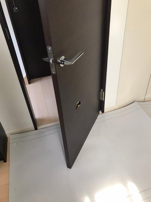 内装ドア交換工事前
